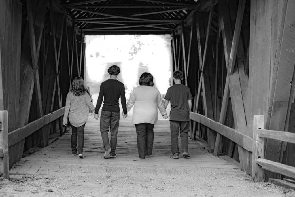D&B Forever Photography Greenville Family Photographer you can trust! We value what you hold dearest, and we want to make meaningful art that you and the ones you love can enjoy.